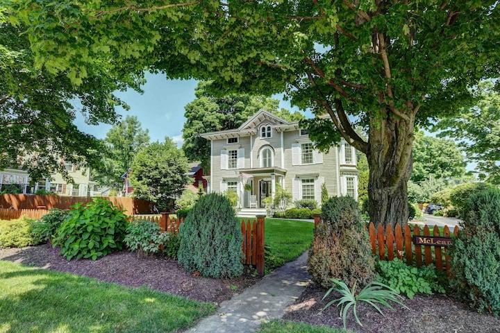 Exquisite Apartment in Grand Victorian Home 1
