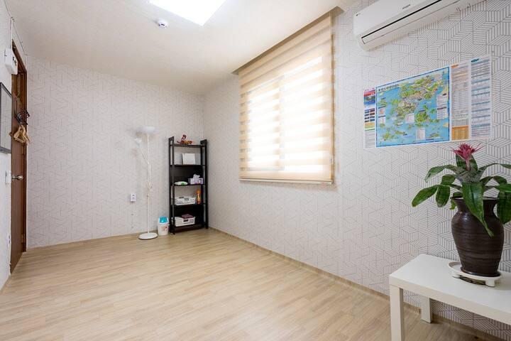 통영케이블카/루지체험장과 가까운 깨끗한 온돌방,패밀리룸 - Deme 3-gil, Tongyeong-si