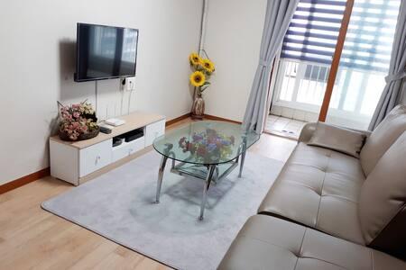 [신규오픈] 천안고등학교 인근 대형 펜션급 숙소(22평 아파트 전체) Free WI-FI