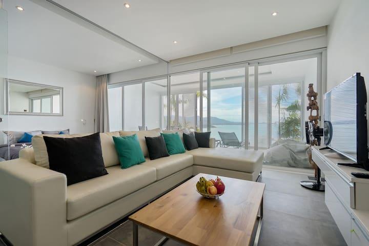 """Luxury Sea View Apartment """"D"""" @ UniQue Residences"""