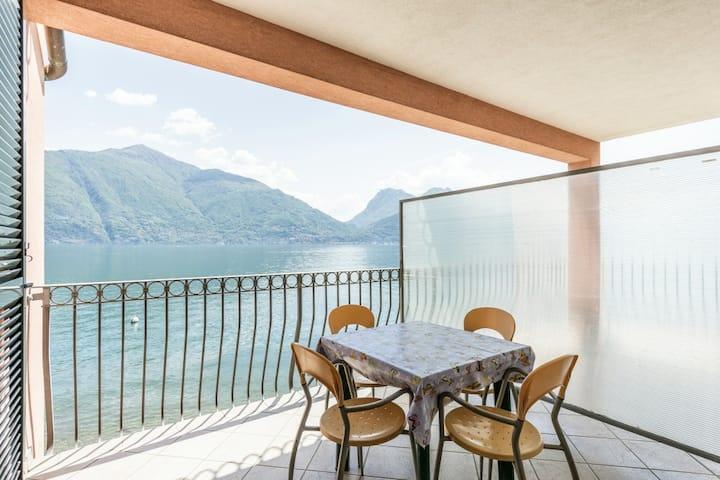 Casa Garibaldi + | Lake Como | Stunning View