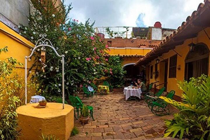 Hostal Casa Ayala - R3 (2p)