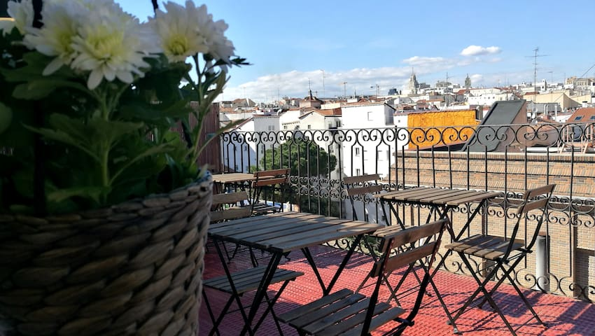 Low Cost Penthouse with Best Views - Madrid - Appartement