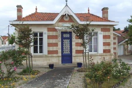 """Villa soulacaise  """"Ker Anna"""" - Soulac-sur-Mer - Casa"""