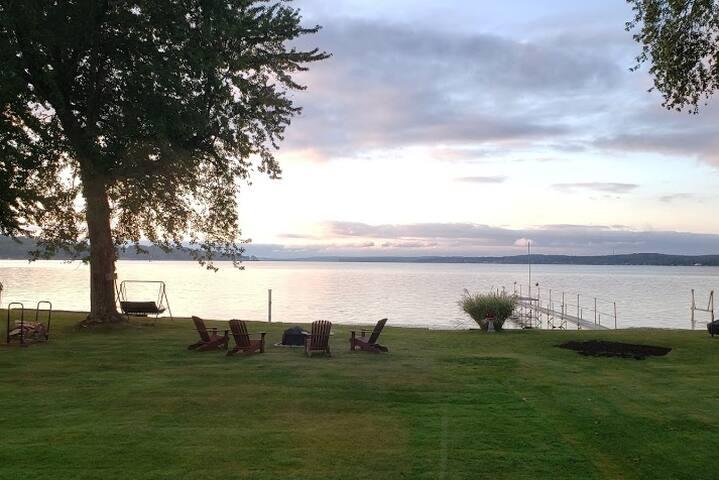Best View on Chautauqua Lake Lakefront Cottage