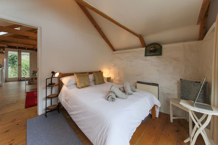 The Lodge, Lower Spargo Cottage - Penryn - Ev