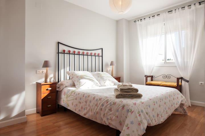 Bonito piso a 1,8km del centro y 3km de la playa - Almería - Dom
