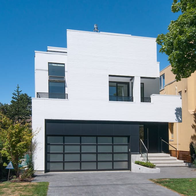 Talk about CURB Appeal! This is an AMAZING HOME in Kitsilano