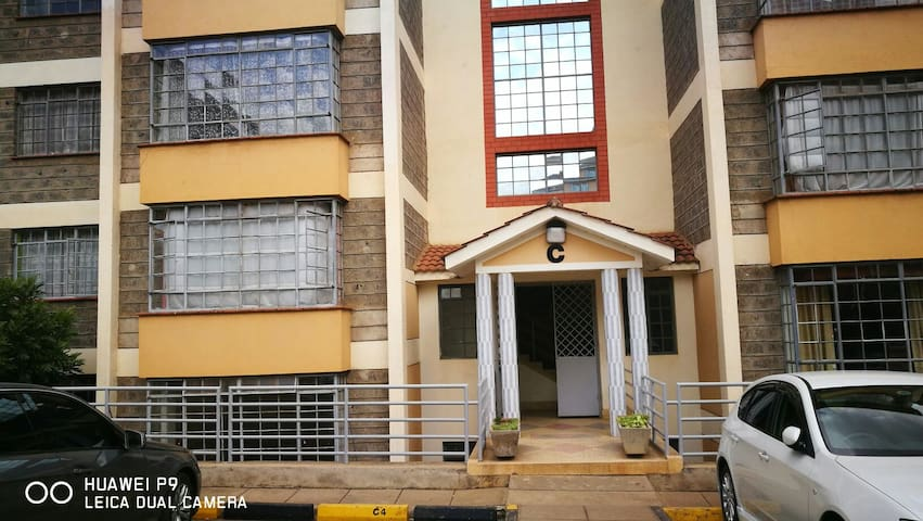 Cosy 3 bedroom Apartment,  Upperhill, Nairobi