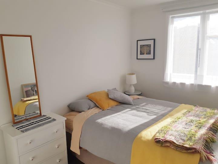 Porirua cosy room in homely house