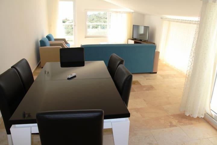TK438-Kalkan 3 bedroomed private pool apartment - Kaş - Appartement