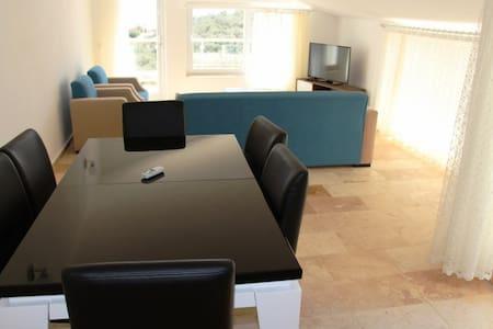 TK438-Kalkan 3 bedroomed private pool apartment - Kaş - Lakás