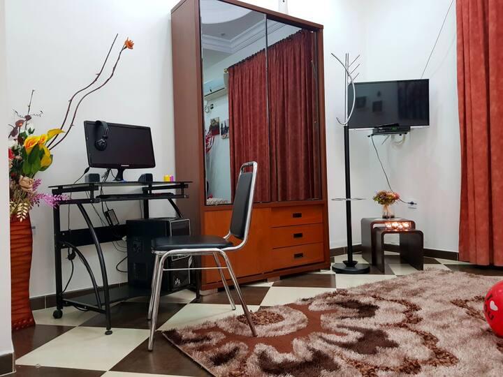 Location Studio équipé à court séjour à Biskra