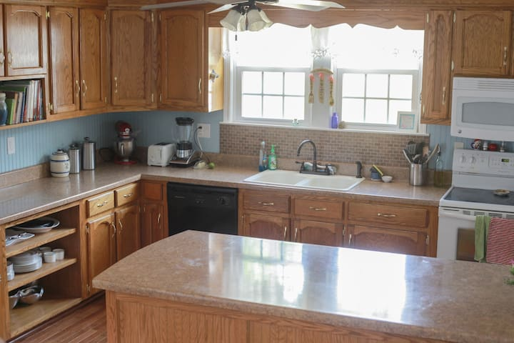 Spacious kitchen big enough for a full family meal prep!