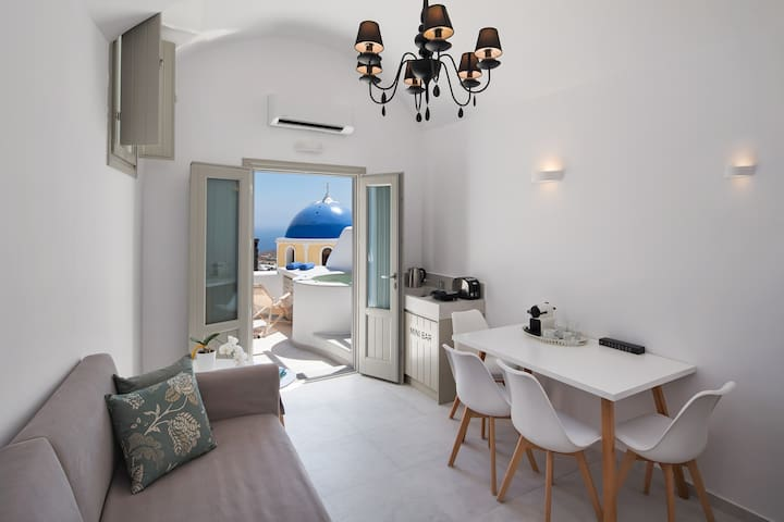 Sea view suite with outdoor jaccuzzi