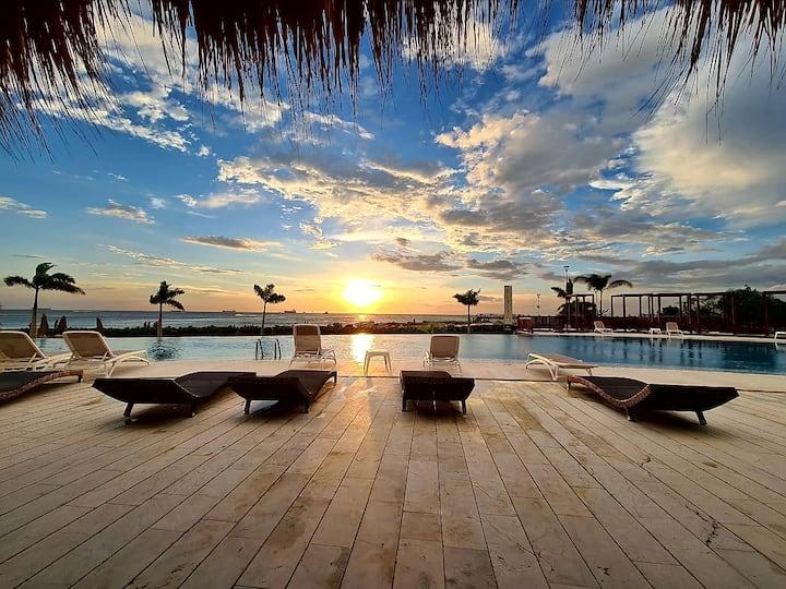 Beautiful Beachfront Apartment, great facilities