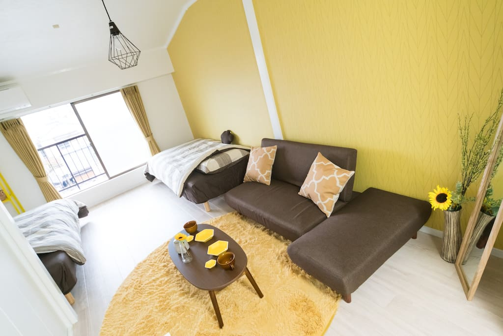Stylish  Room Coordinated in Bright Yellow Tone for 1-4 People, Just Renovated in 2018