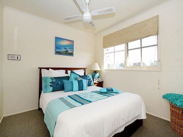 beautiful home 35 mins from cbd+ Netflix+heat+pool