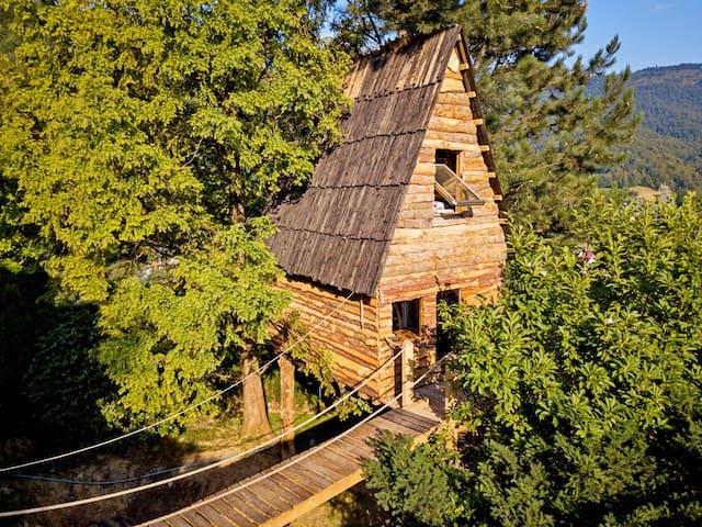 Treehaus - domek na drzewie dla 4 os na Górze Żar
