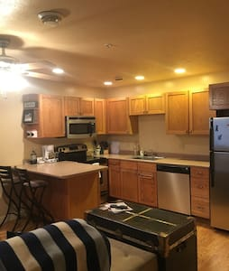 Private apt, close to all amenities - Morgantown