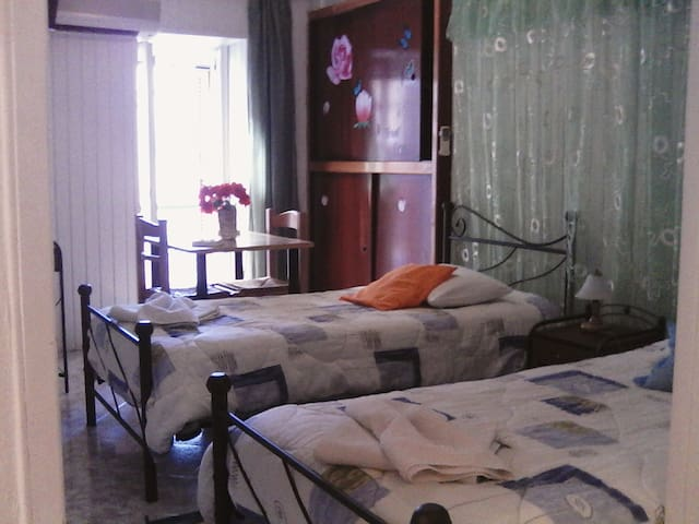Hermoupolis Rooms (12) MHTE: (Phone number hidden by Airbnb)