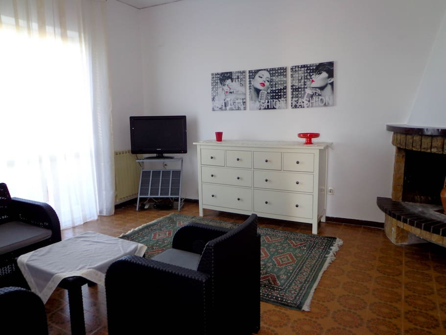 panoramic appartement at the beach appartements en r sidence louer formia latium italie. Black Bedroom Furniture Sets. Home Design Ideas