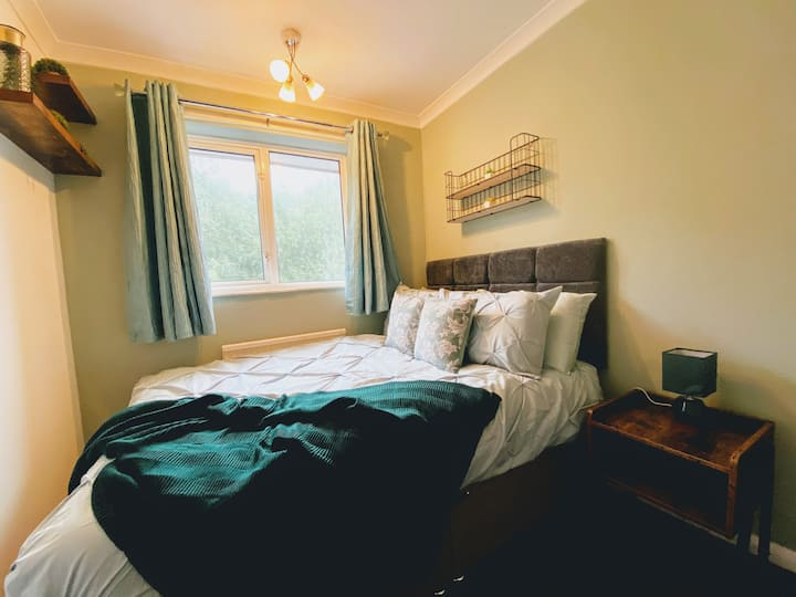 🌟 Willow Spacious Stay @ Canterbury with Parking🌟