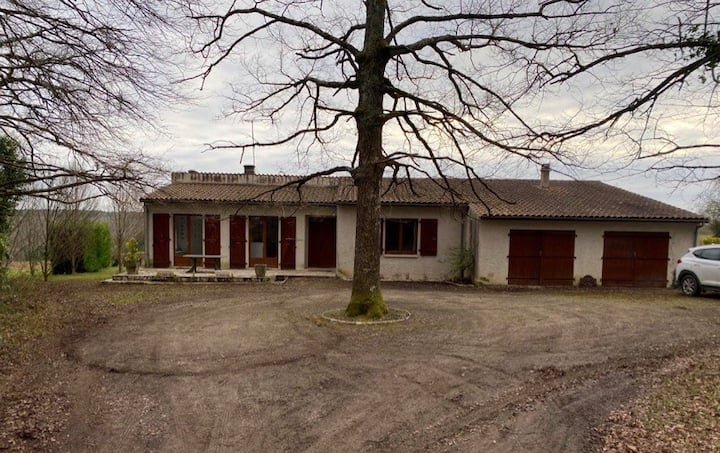 Grande maison et terrain au calme