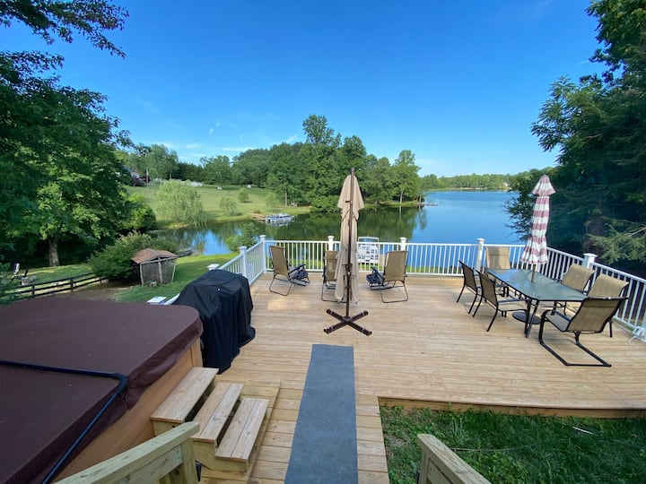 Lakefront Home in Stanardsville