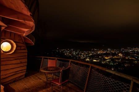 Souleyourt : cabane perchée Romances Nippones