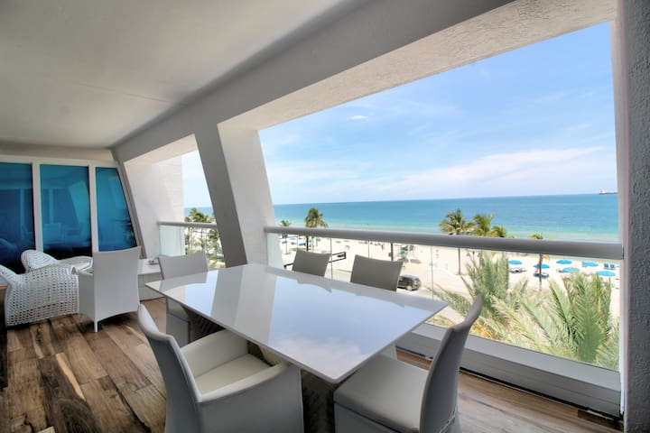 Ft Lauderdale Beach | One Bedroom Oceanfront Beach Villa