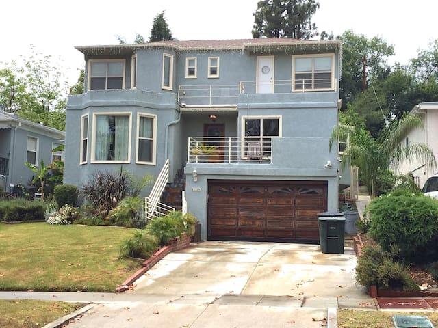 Pasadena Getaway - Pasadena - Casa