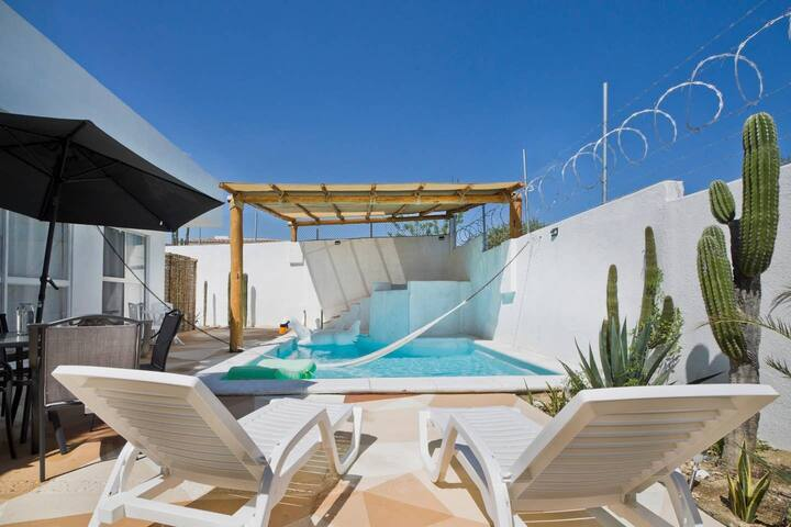 Studio with kitchenette, pool and jacuzzi in Cabo