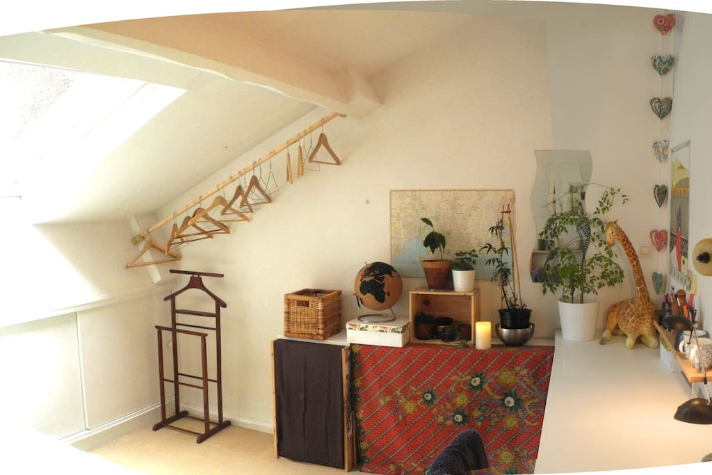 Chambre cosy dans la massonnette maisons louer for Les bain de lea paris
