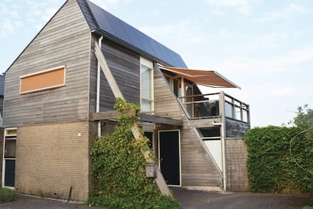 Holiday cottage with 3 bedrooms on 75m² in Grou