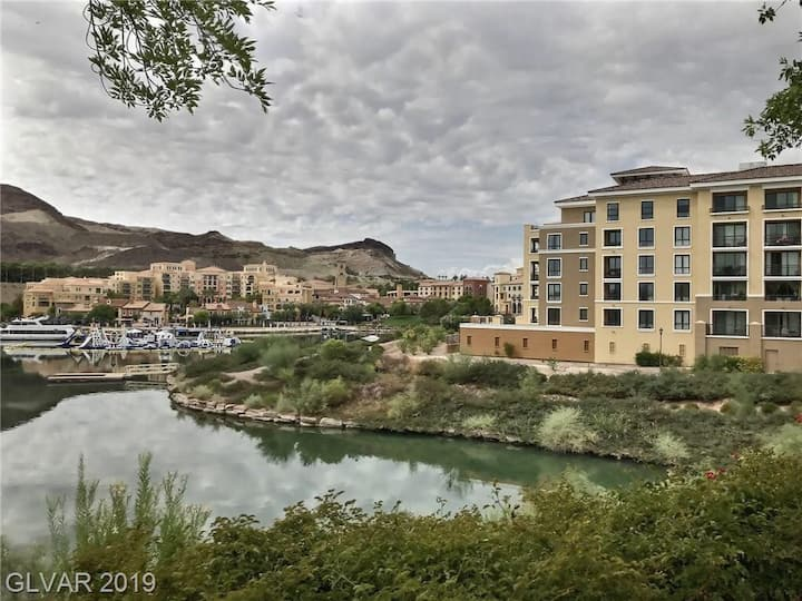 Lake Las Vegas Studio L3