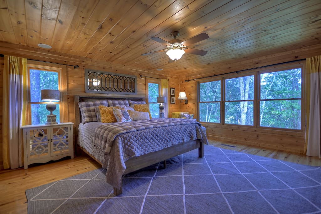 Large Master with King Bed, TV and long mountain View