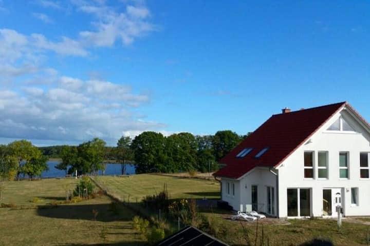 Vilzseehaus - direkt am See (FeWo im EG)