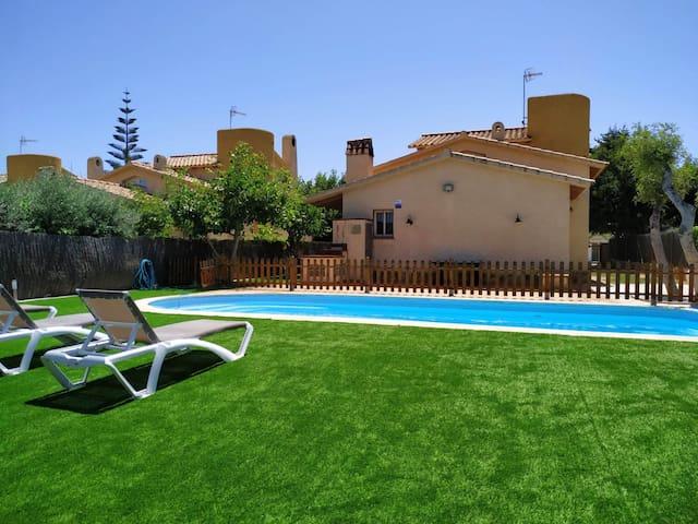 Casa Neus Bará II, wifi , jardín y piscina