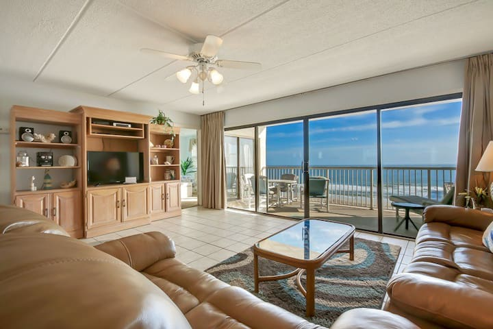 Amelia by the Sea #781: Top floor oceanfront condo with tile throughout living areas.  Unique pier, restaurant nearby.