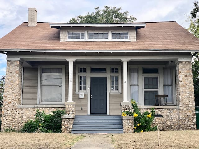 NEW FUN RENTAL PROPERTY near  Pearl and Downtown