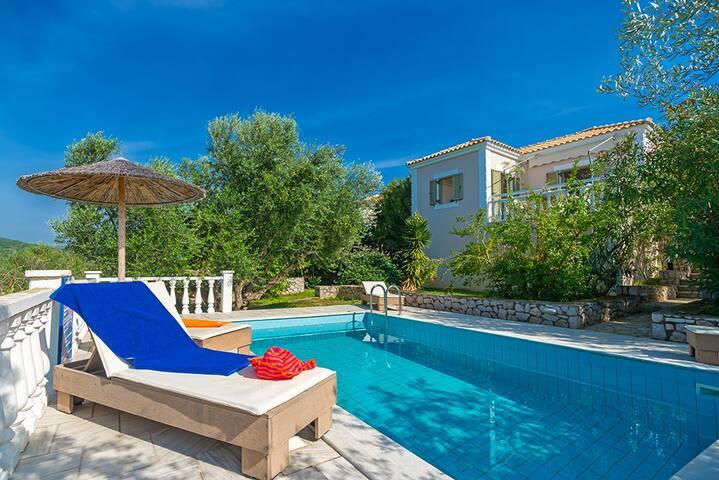 1 bedroom villa sleeps 2 in gialova