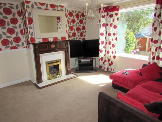 *House Share* 5 mins walk from Fleetwood College