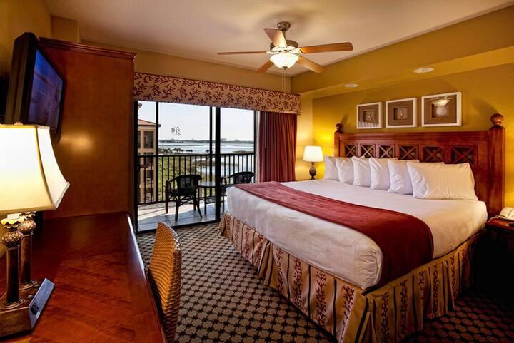 Orlando 2 bedroom villa with all the amenities.