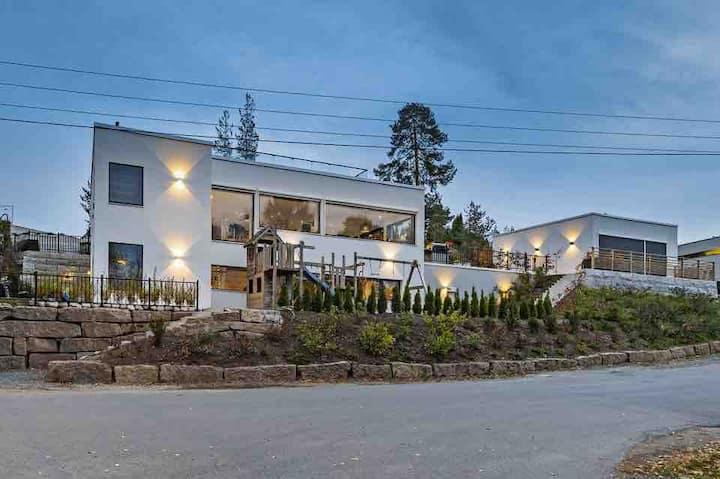 Ny funkis villa 100 meter fra strand. 10 min Oslo