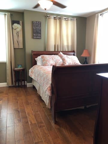 Comfy Queen size sleigh bed