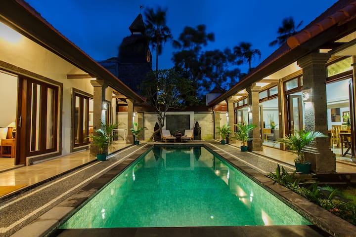 3 bedroom villa, private pool, FREE SCOOTER.