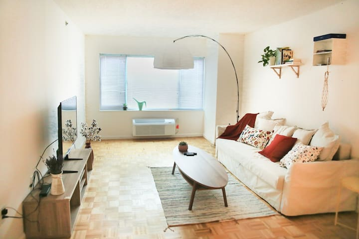 Cozy apt, 5 mins to NYC, 25 mins to Times Square