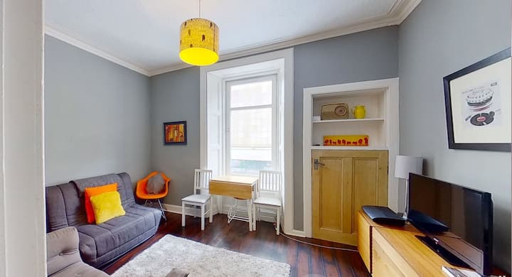 Smart and Central Leith Walk Apartment