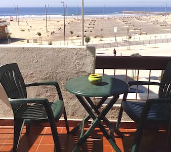 Front beach apartment, very cozy - Costa da Caparica
